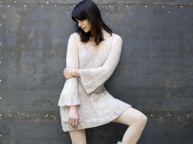 329eeeed76a11 Modèle de tricot   la robe pull vaporeuse - Qualité
