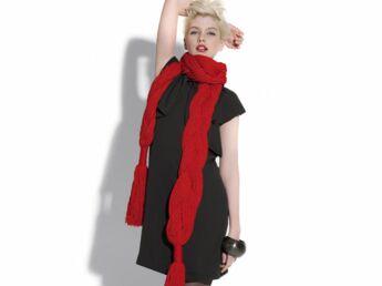 Une écharpe torsade à tricoter