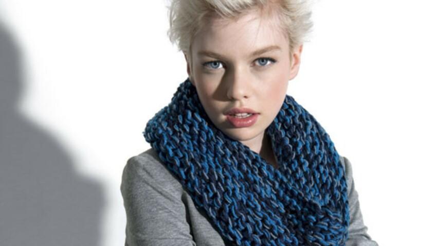 Modèle gratuit : un snood à tricoter au point mousse