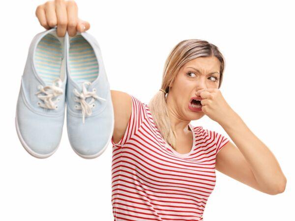 voici ce que vous risquez si vous sentez vos chaussettes sales femme actuelle le mag. Black Bedroom Furniture Sets. Home Design Ideas