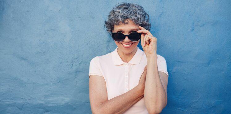 10 astuces mode pour paraître plus jeune