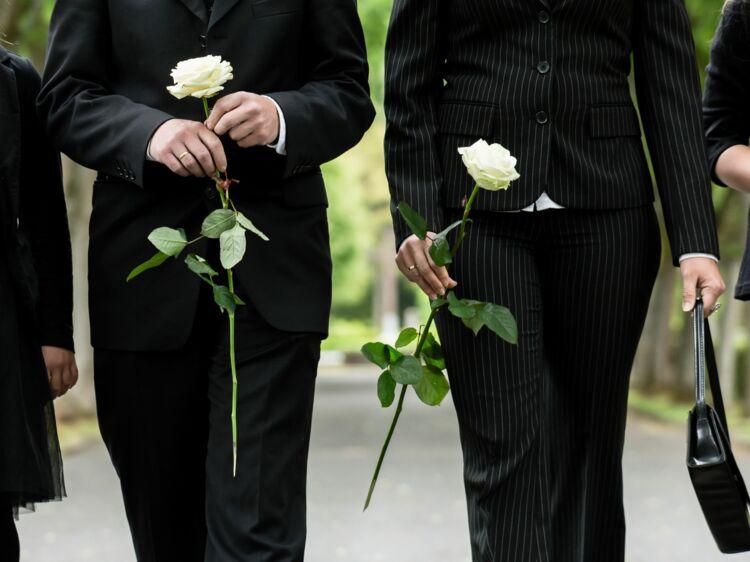 Un Actuelle Enterrement Pour S'habiller Mag Comment Le Femme B48xq
