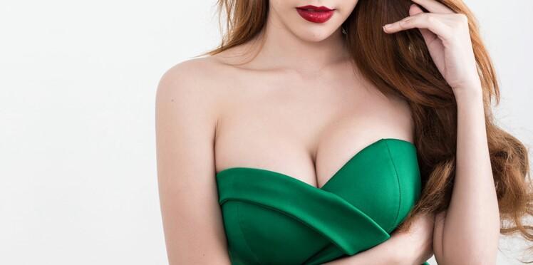 """Comment s'habiller pour """"gommer"""" sa poitrine généreuse ? Les conseils mode de Cristina Cordula"""