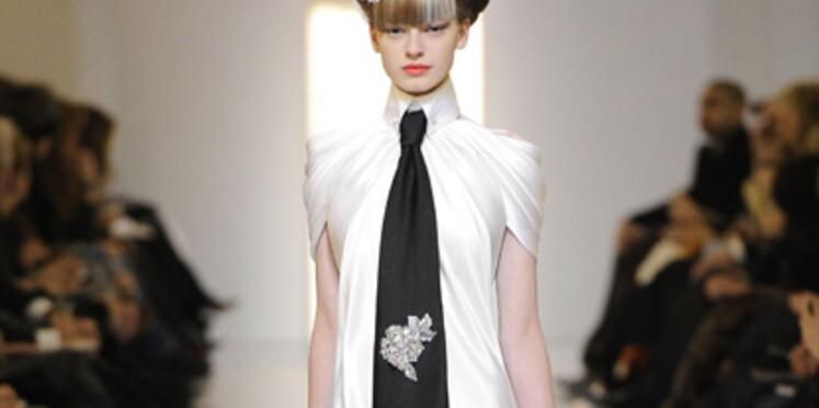 2010 Couture Printempsété Haute Défilés Élégance Et Sobriété Axawqqn