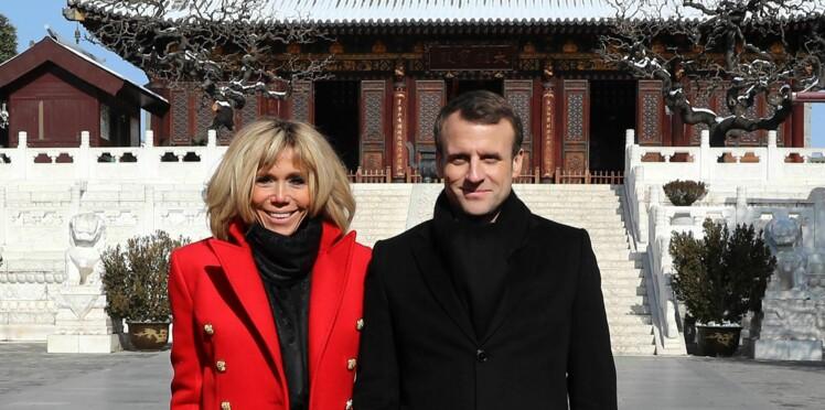 acheter pas cher c1d7e 9670b Brigitte Macron pour la première fois en Louboutin ...