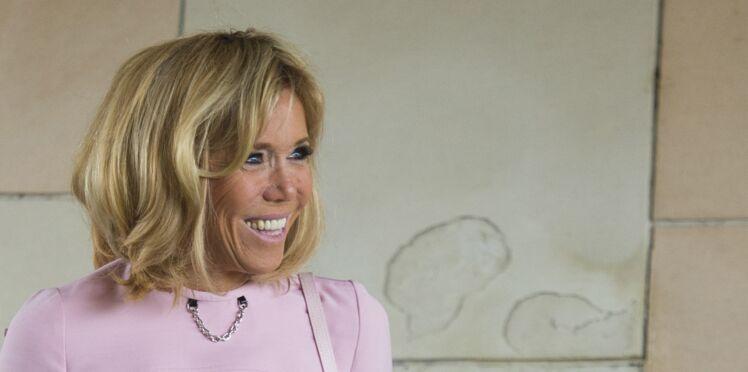 Brigitte Macron surprend avec un pull original