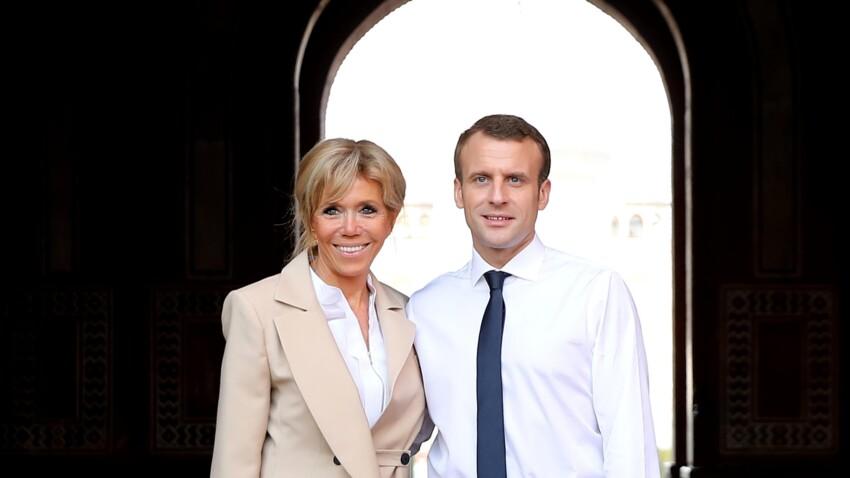 Brigitte Macron ose le total look rose en robe à volants et bien d'autres tenues surprenantes pour son voyage en Inde !