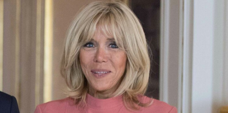 Photo - Brigitte Macron, encore en robe rose au Luxembourg !