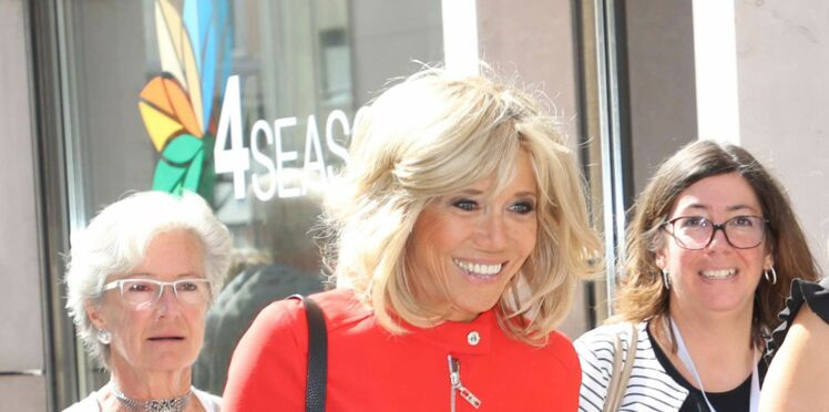 Photo - Brigitte Macron fait sensation en robe rouge Louis Vuitton en Autriche