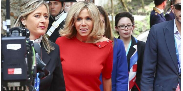 Brigitte Macron : un sans faute en slim blanc et top rouge à Taormine