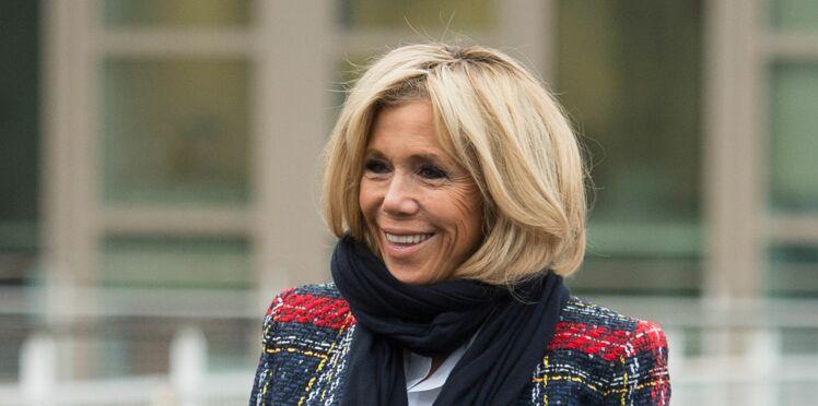 Photo - Brigitte Macron surprend en veste en brocart brodée : top ou flop ?