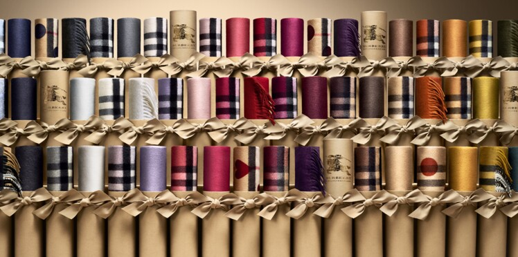 Burberry lance son Bar à Echarpes