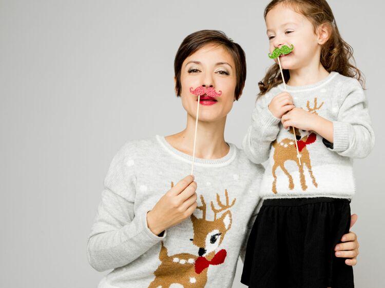d27c5b9e1da7a Camaïeu   des pulls de Noël mères-filles   Femme Actuelle Le MAG