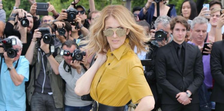 Photos - Céline Dion sans soutien-gorge au défilé Dior... et nue en backstage !