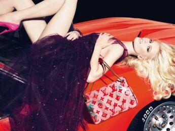 Claudia Schiffer dans la nouvelle campagne Louis Vuitton