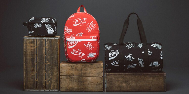 Des sacs signés Coca-Cola x Herschel Supply Co