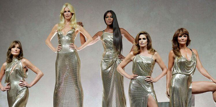 Photos - Fashion Week de Milan : Carla Bruni, Cindy Crawford et Naomi Campbell éblouissantes pour le défilé Versace