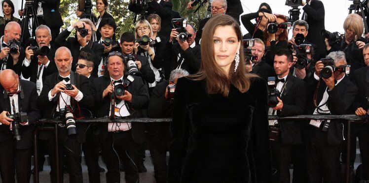Cannes : Laetitia Casta ose la robe ultra fendue et le jeu de jambes sexy sur tapis rouge