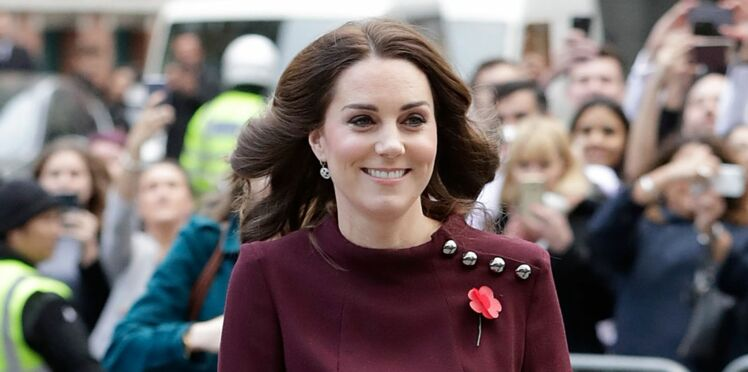 Kate Middleton, enceinte, elle arbore un nouveau look de grossesse à plus de 500€