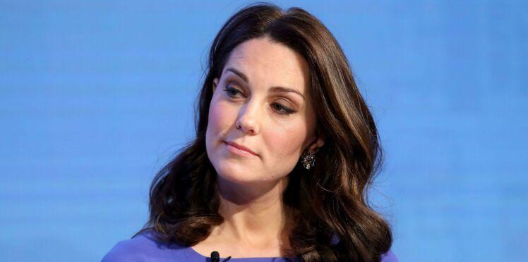 Kate Middleton, enceinte, elle affiche son ventre très (très) rond en petite robe chic