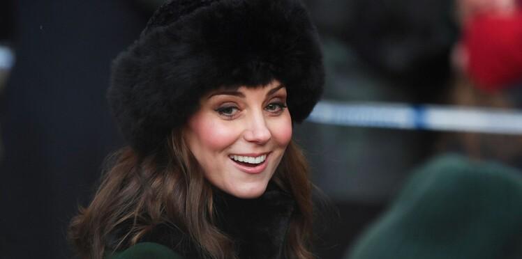 Kate Middleton, enceinte, elle affiche son ventre bien rond en robe verte