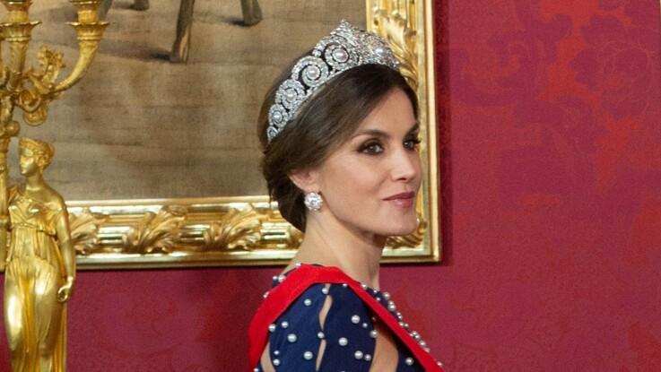 Letizia d'Espagne sublime dans une robe de princesse pour un dîner au Palais Royal