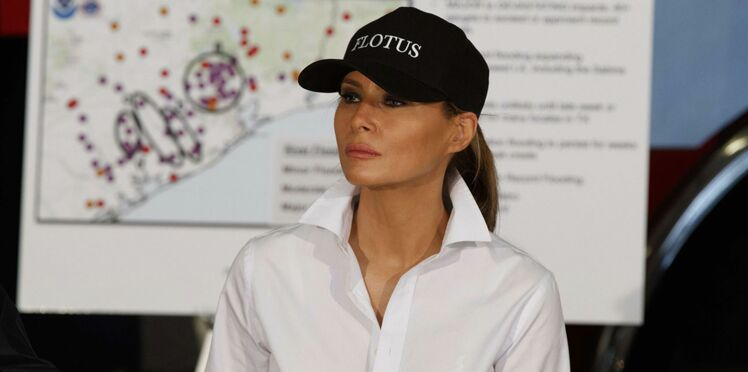 """""""FLOTUS"""" sur la casquette de Melania Trump : pourquoi ?"""