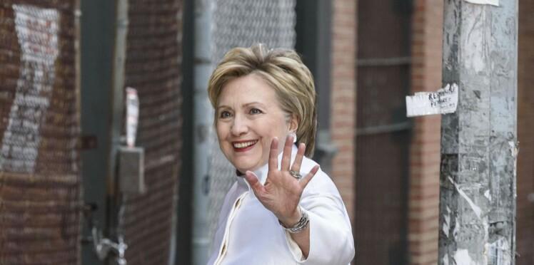 Photo - Hillary Clinton se lâche niveau look en mixant les imprimés