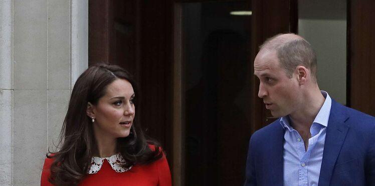 Le look de Kate Middleton pour présenter son royal baby : un hommage à Diana ?