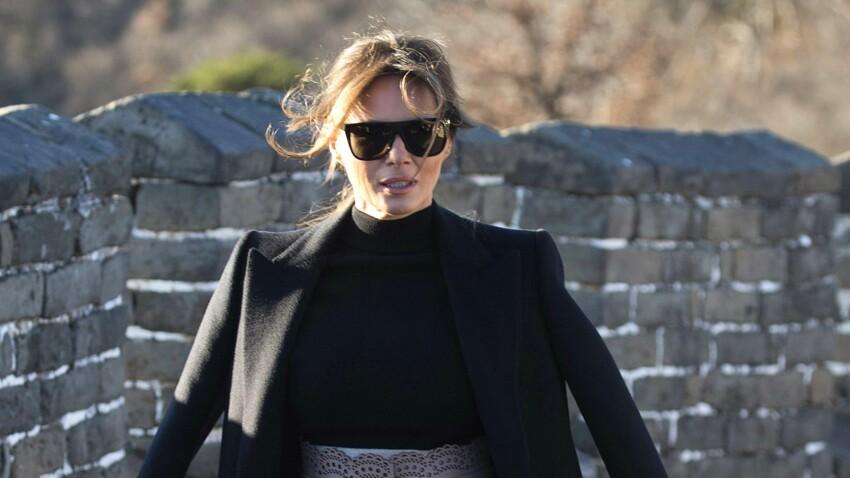 Melania Trump, élégante et (enfin) sans son accessoire de mode fétiche en Chine