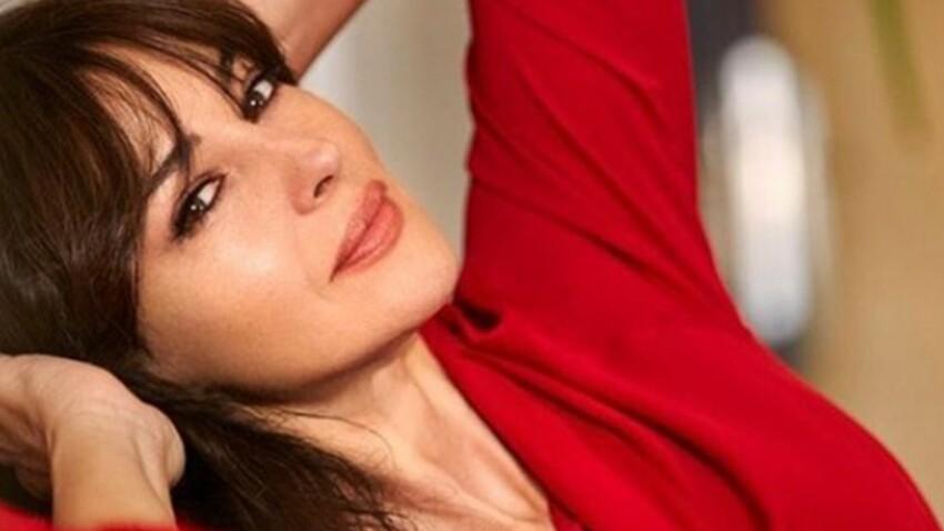 Monica Bellucci ose la guêpière et les porte-jarretelles et prouve qu'à 52 ans elle est ultra sexy