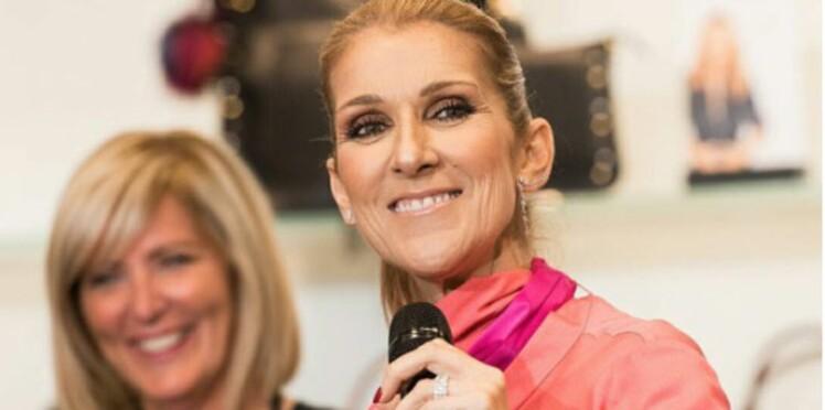 Photo - Céline Dion ravissante en robe rose pour lancer sa ligne de sacs à main