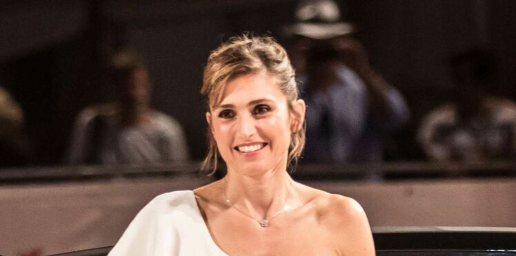 Photo - Julie Gayet en robe sexy à la Mostra de Venise