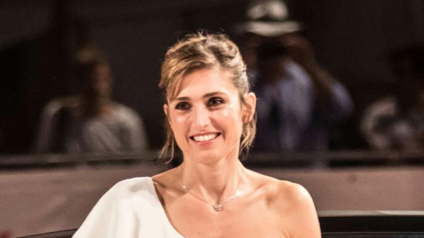 Photo - Julie Gayet en robe sexy à la Mostra de Venise