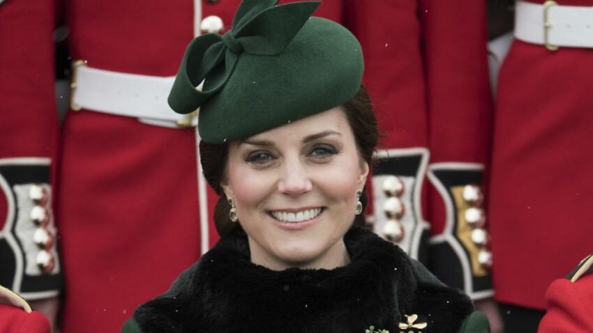 Photos - Kate Middleton, très enceinte et d'humeur joyeuse en vert émeraude pour la Saint Patrick