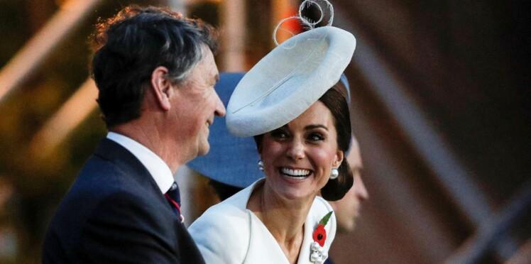 Photos - Kate Middleton, ravissante en robe blanche