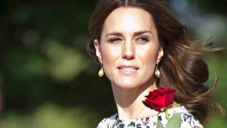 Photos - L'ensemble fleuri de Kate Middleton fait polémique