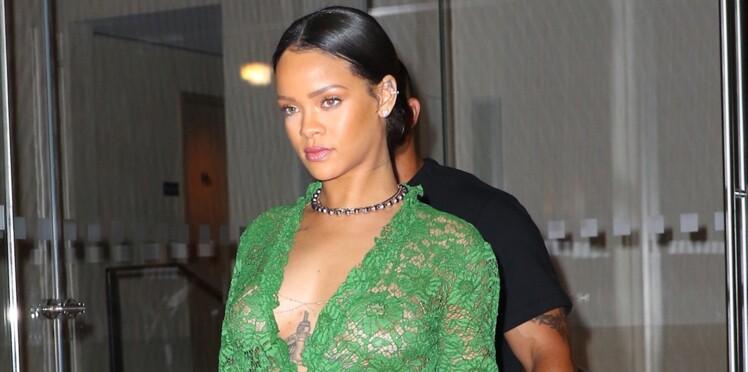 Buzz : la robe en dentelle de Rihanna !