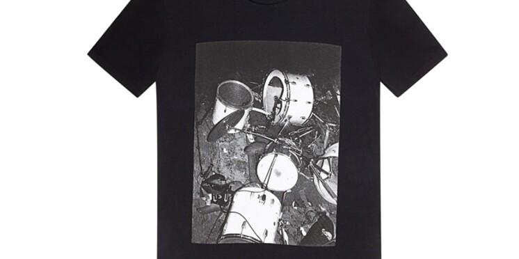 Sandro rend hommage à Nirvana avec une ligne de T-shirts sérigraphiés