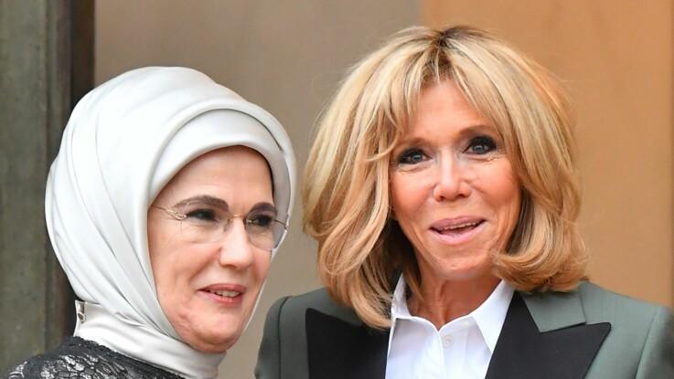 Photo - Découvrez le blazer insolite de Brigitte Macron : top ou flop ?