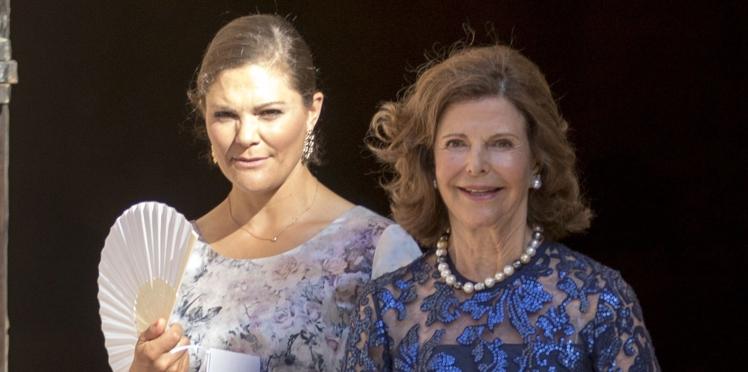 Victoria de Suède et sa mère, élégantes à un mariage à Majorque