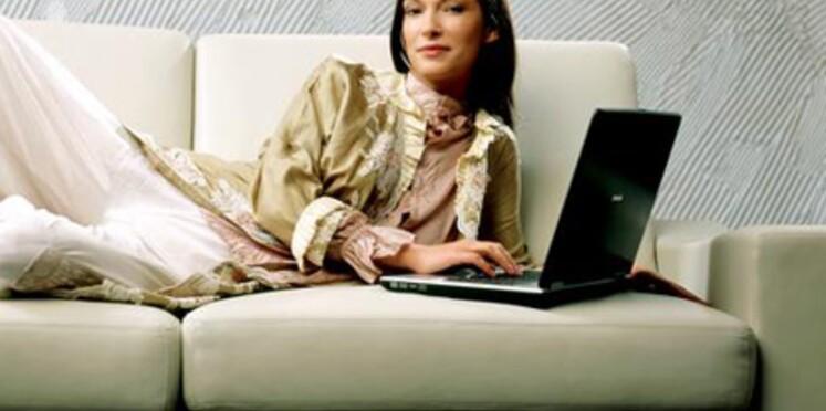 """Le """"vide dressing"""", pour s'habiller à petits prix sur Internet"""