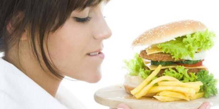 Le fast-food fait grossir et abime le foie