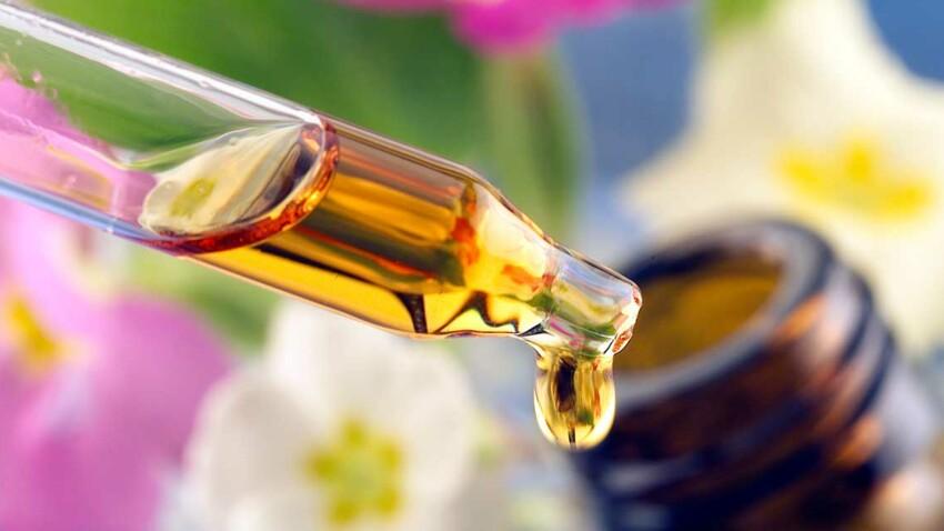 Huiles essentielles : les indispensables de la pharmacie