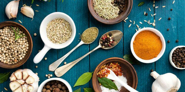 Maux du quotidien : 17 antidouleurs naturels à piquer dans la cuisine