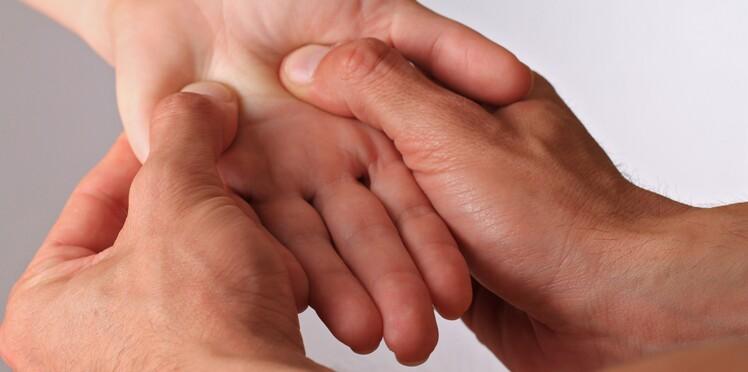 Réflexologie palmaire : masser ses mains pour soulager les maux du quotidien