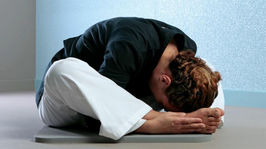 Yoga du soir pour mieux dormir : la posture de la tortue
