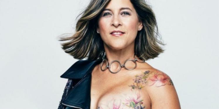 Cancer du sein : elles posent topless et dévoilent leurs tatouages post-mastectomie
