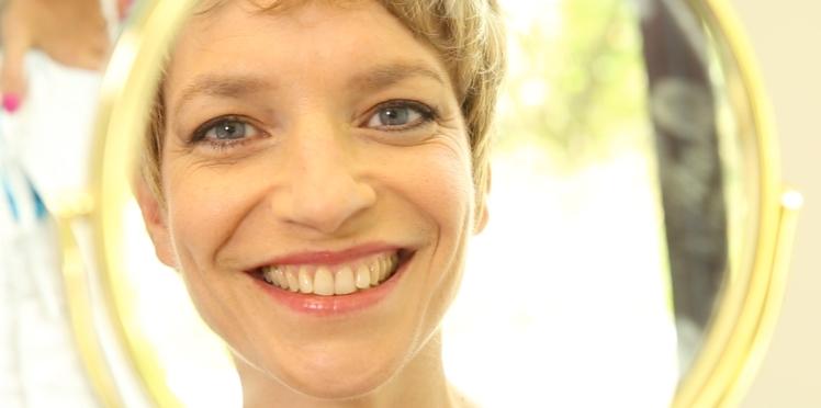 Cancer : redessiner la ligne des sourcils (vidéo)