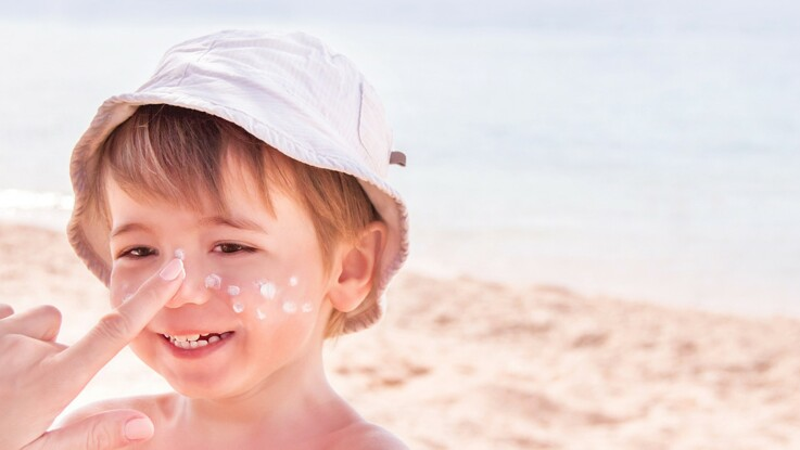 Crèmes solaires pour enfants : 5 infos à retenir de l'étude de 60 millions de consommateurs
